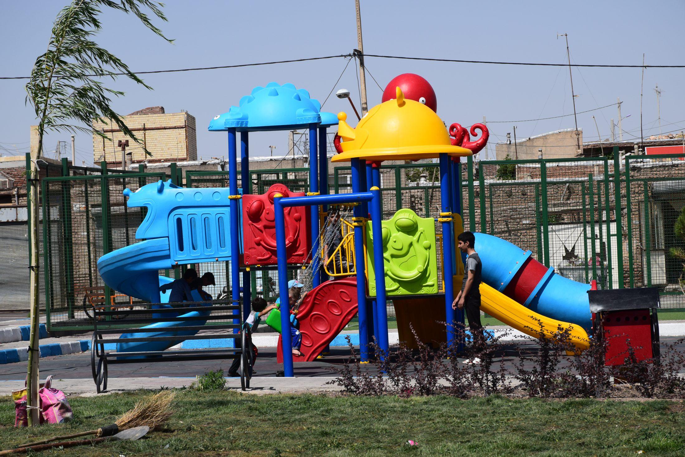 ساماندهی و بهسازی محله همت (زینال آباد)